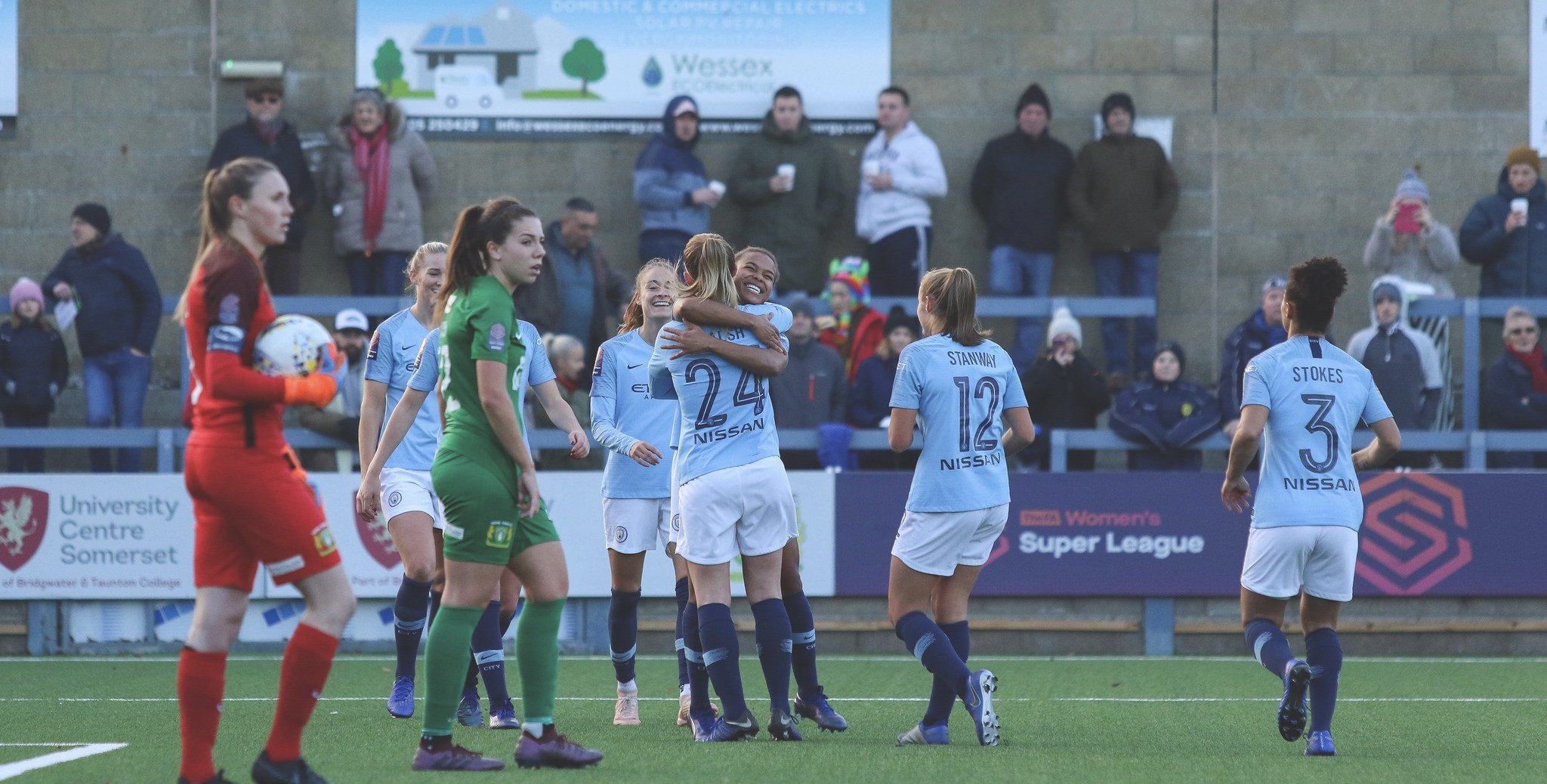 Man City Women celebrate Nikita Parris' goal.