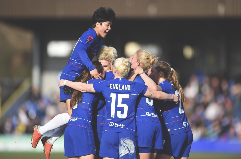 Chelsea women celebrating a goal