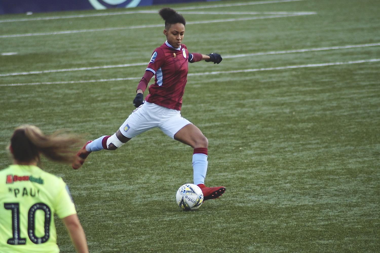Aston Villa's Elisha N'dow. Photo Adam Nunn
