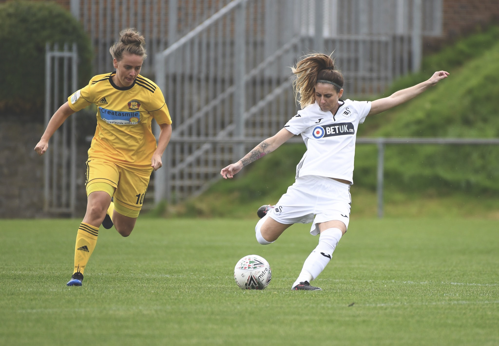 Swansea City's Sarah Adams in action. Photo by @SwanseaLadies