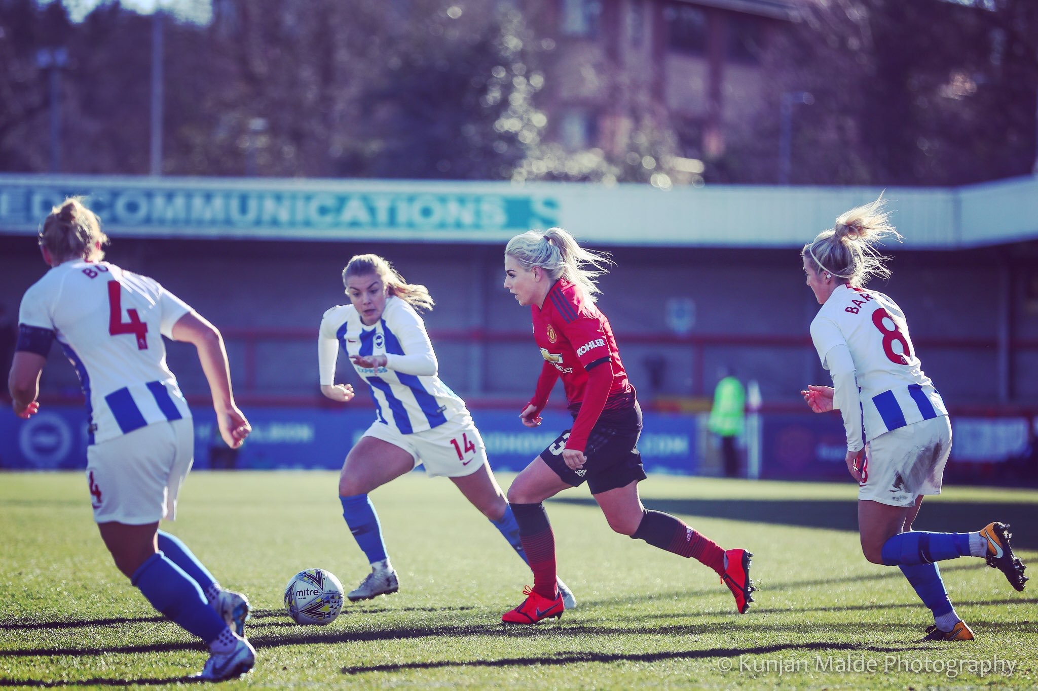 Alex Greenwood against Reading. Photo from @KunjanMalde